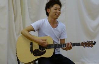 先日来校したときに歌を披露してくれました