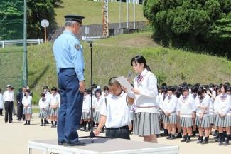 生徒会長の嶋村さんが盗難防止,安全運転を宣言しました