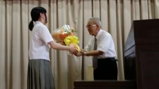 お礼の花束贈呈