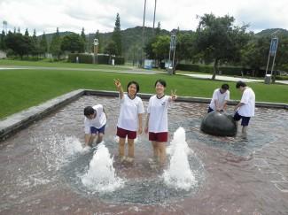 午後 噴水での風景2