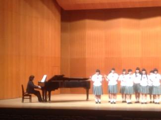 講師の中島先生が伴奏をしてくださいました