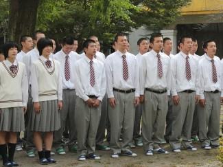 最後に全員で校歌を歌い,気持ちを一つにしました