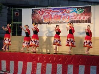 『南国乙女』によるフラダンス