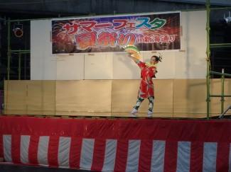 華麗に日本舞踊を舞う『Chika』