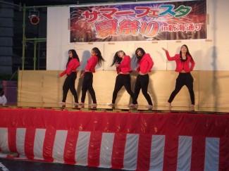 『DOPE』によるダンス