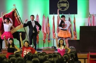 新田1学年主任も一緒に踊りました