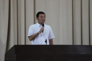 新任の西田先生による自己紹介