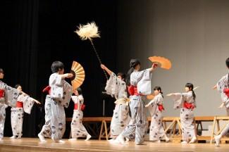3年生の日本舞踊の練習の様子