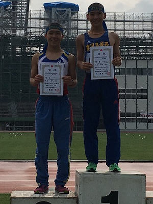 5000m競歩で優勝した垣内君(右)と2位の屋久君(左)