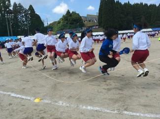 長縄跳び(2学年)