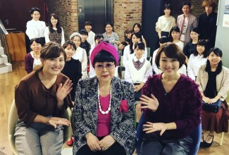 放送終了後に桂由美さんと記念撮影