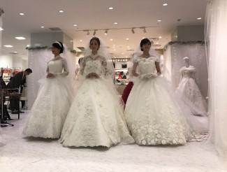 桂由美さんデザインのウェディングドレス