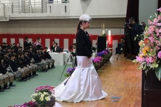 卒業式用に自分で製作したドレスとジャケットをコーディネートしました。