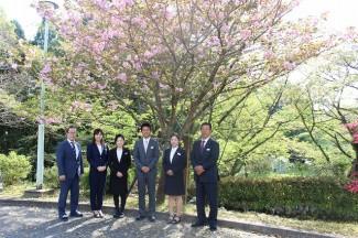 トータルエステティック科職員 左から仁木先生,前先生,向井先生,梶原先生,竹之内先生,佐々木先生