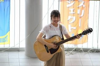 3年生「Masaki」による歌の披露